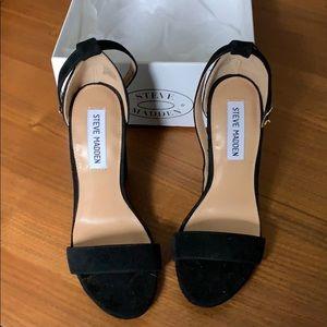 Steve Madden Carson 4 inch black suede heel size 7